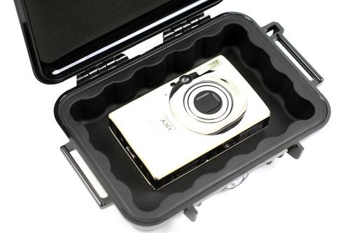 コンパクトデジタルカメラを収納