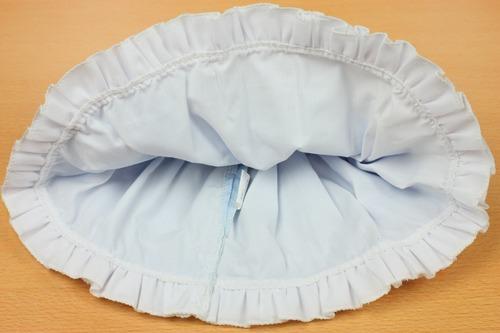 ドレスはスカート部分のみ裏地が縫ってある