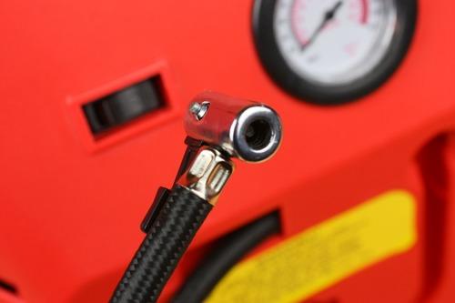 自動車タイヤは米式バルブが標準規格