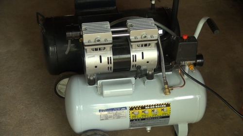 1馬力のオイルレスエアコンプレッサーを投入