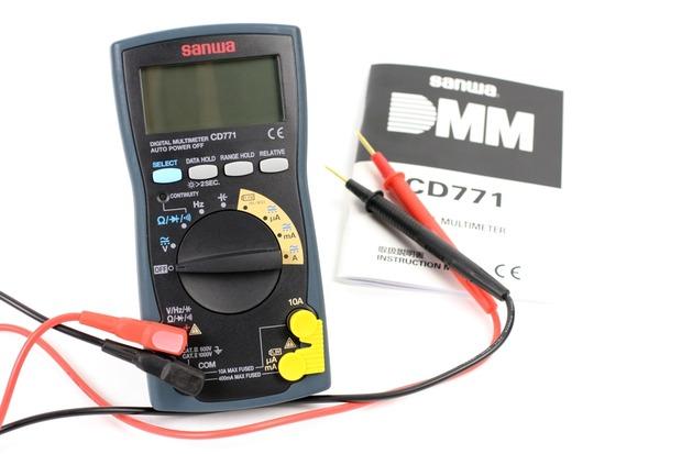 SANWAのデジタルマルチメータ CD771