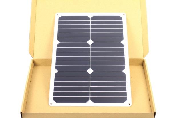 暗電流対策に使うソーラーチャージャーとしては大型