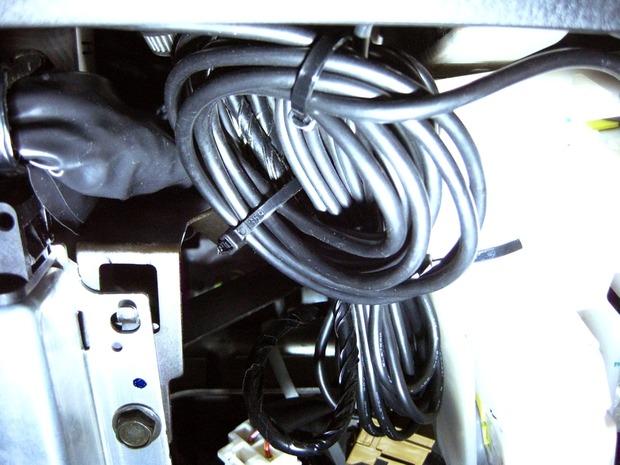 ZR-13の余剰ケーブル処理