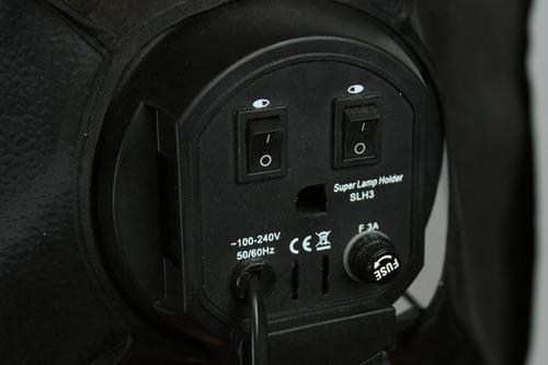 スイッチで光源の出力調整可能
