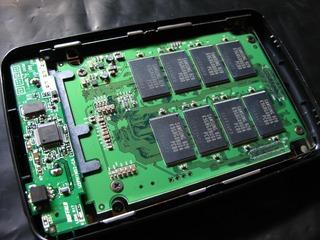 HD-PE320U2にSP016GBSSD650S25