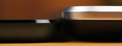 Nexus7との薄さ比較