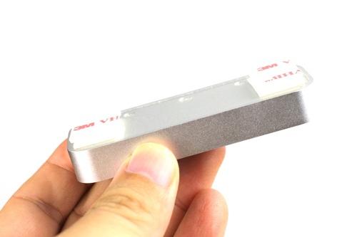 両面テープを両端に3段重ね