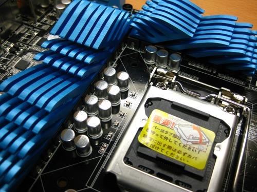 CPUソケット周りのヒートシンク