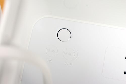 リセットスイッチとおぼしきボタン