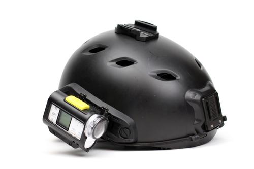 ヘルメットにマウント