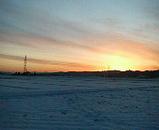 雪の中の夕暮れ