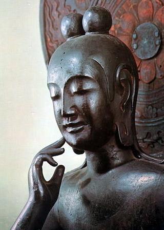 一般的な弥勒像