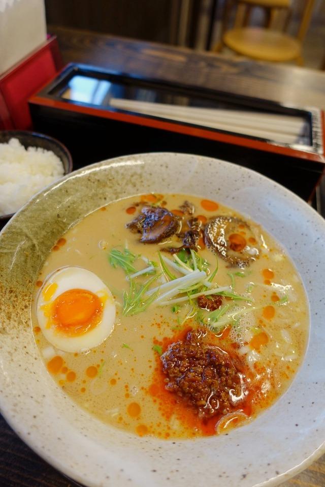 博多商店 担担麺