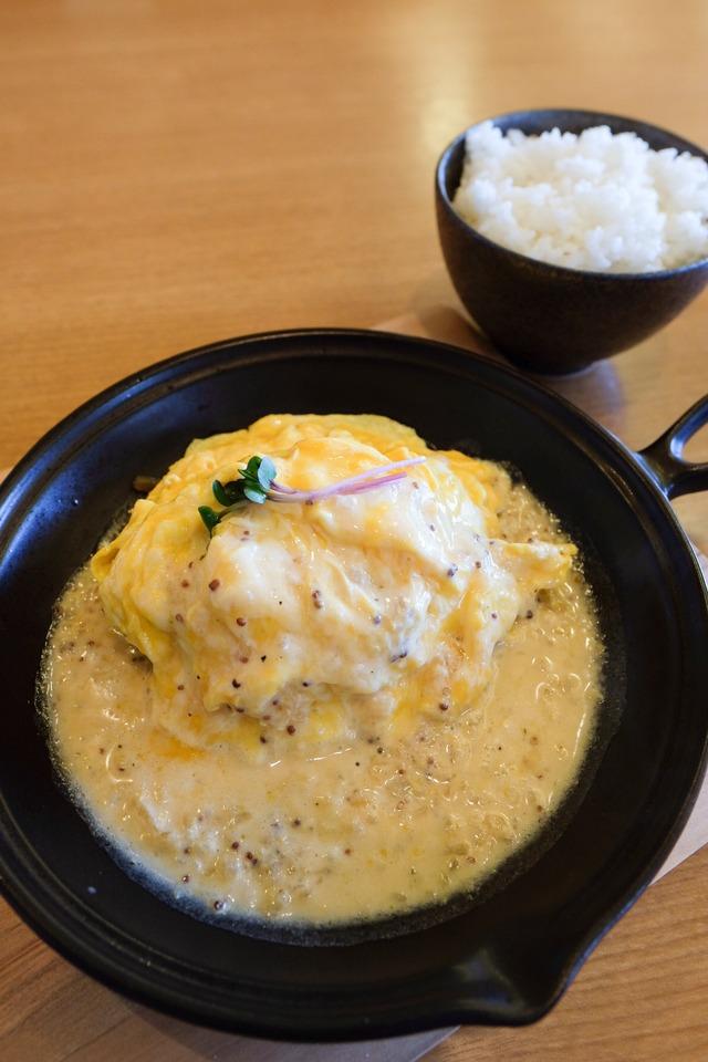 【新店】2月オープン洋食バル マカロニ食堂のランチは豚骨カレーと豚ハンバーグ