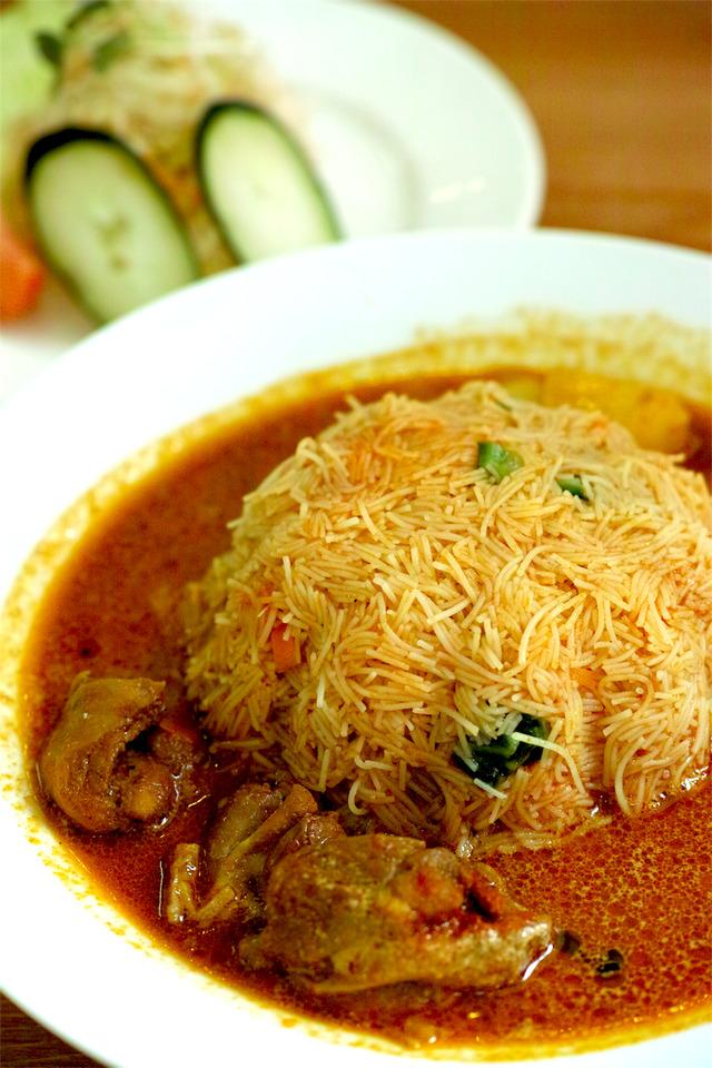 スリランカ家庭料理 シンハギラ