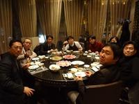 DSC00473 0310 夕食会場にて食事