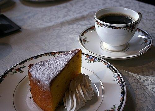 水出しコーヒーとケーキ、セットで800円