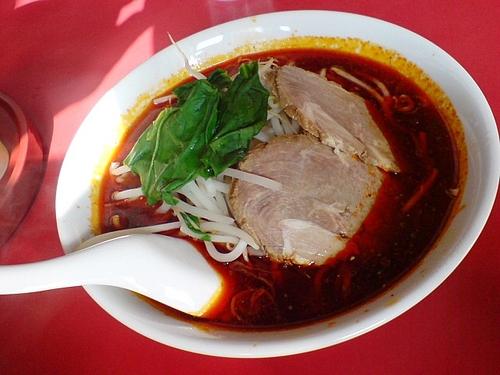 こっちも辛いよ。四川の酸辣湯麺!