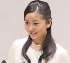 秋篠宮家の二女・佳子さま 公務で初めて英語のスピーチ