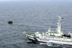 北朝鮮漁船と水産庁船が衝突 漁船沈没、20人が海に