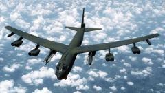 米B−52爆撃機が日本周辺上空を飛行…対北朝鮮圧力