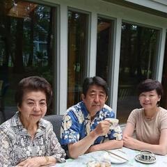 安倍首相の母が転倒して入院、昭恵夫人が選択した遠慮介護