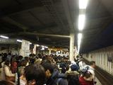 朝の舞浜駅