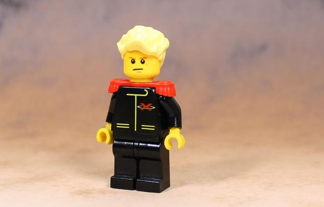 ジェリド・メサ ジェリド・メサ。 「カミーユ、貴様は俺の…!」 エマ中尉。 髪型はセンター分けに