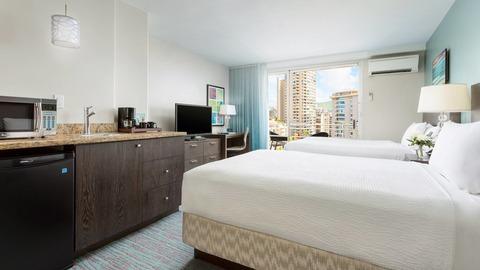 hnlow-guestroom-0058-hor-wide