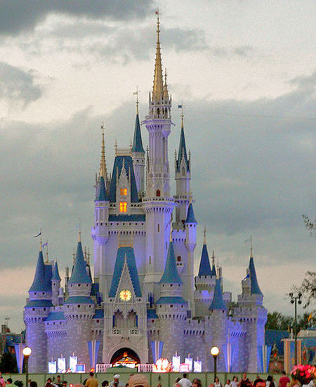 490px-Magic_Kingdom_castle