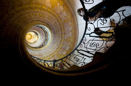 relativity-effects-on-earth-staircase_26517_big