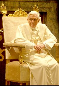 200px-Pope_Benedictus_XVI_january%2C20_2006_%282%29