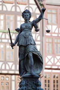 Frankfurt_Justitia_20110408