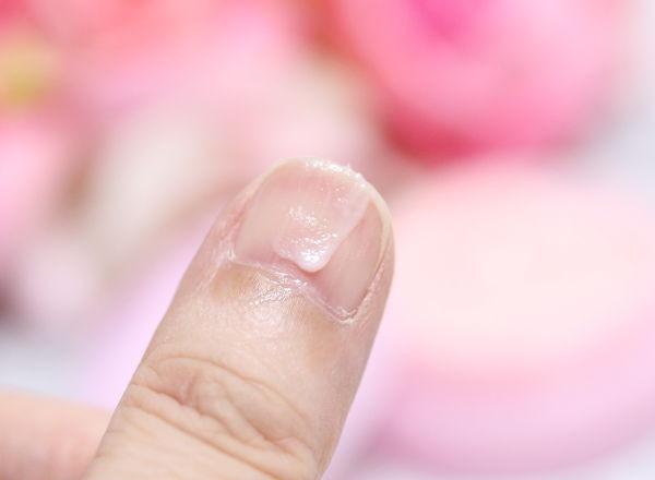 爪美容液クリーム_4
