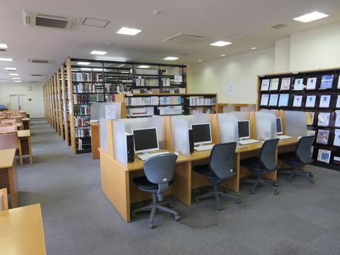 看護図書館1