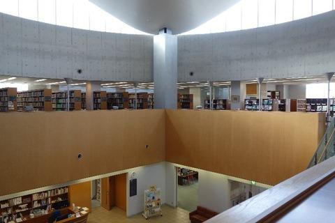 シ図書館2F
