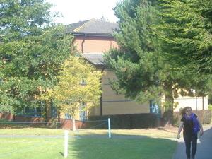 085_外から見た学生寮