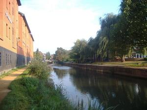 078_Guildfordを流れる川