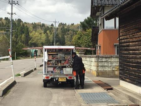 とくし丸 移動販売車 お弁当 (3)
