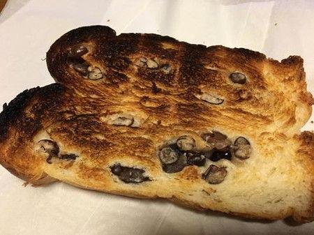 POOP 焦げ パン
