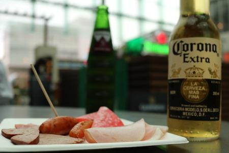 コロナ ハイネケン ビール ソーセージ ハム (8)