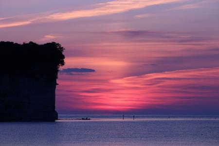 夜明け前の空 赤紫色の空 朝日 氷見市 (7)