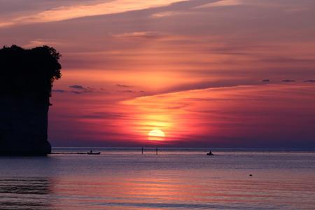夜明け前の空 赤紫色の空 朝日 氷見市 (10)