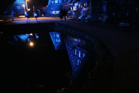 世界遺産 菅沼合掌造り集落 ブルー ライトアップ 4月2日 (5)
