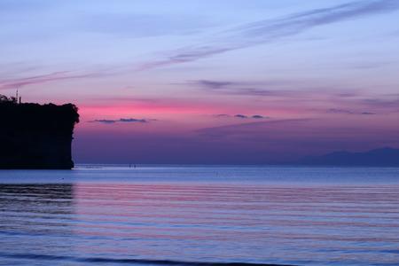 夜明け前の空 赤紫色の空 朝日 氷見市 (4)