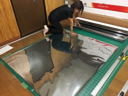 ミラーフィルム カット 作業 仕方 (2)