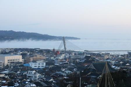 氷見市 朝日山公園 展望台 朝日 日の出 雲海 気嵐 霧 (2)