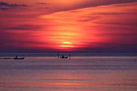 夜明け前の空 赤紫色の空 朝日 氷見市 (9)