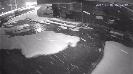6時 防犯カメラ 雪の状況 確認 遠隔  白黒 (1)