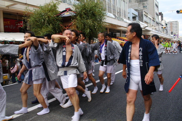 吉原祇園祭2012六軒町神輿内藤金物